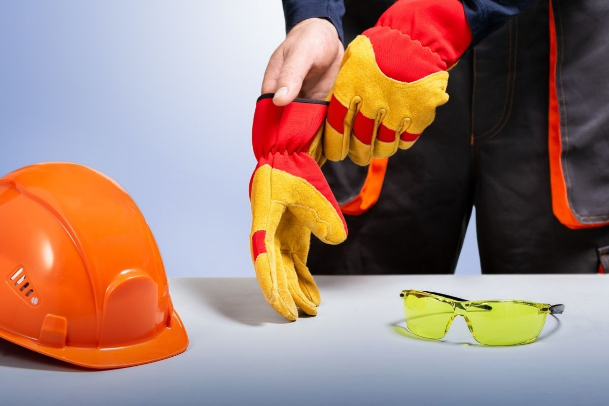 builders hat and gloves